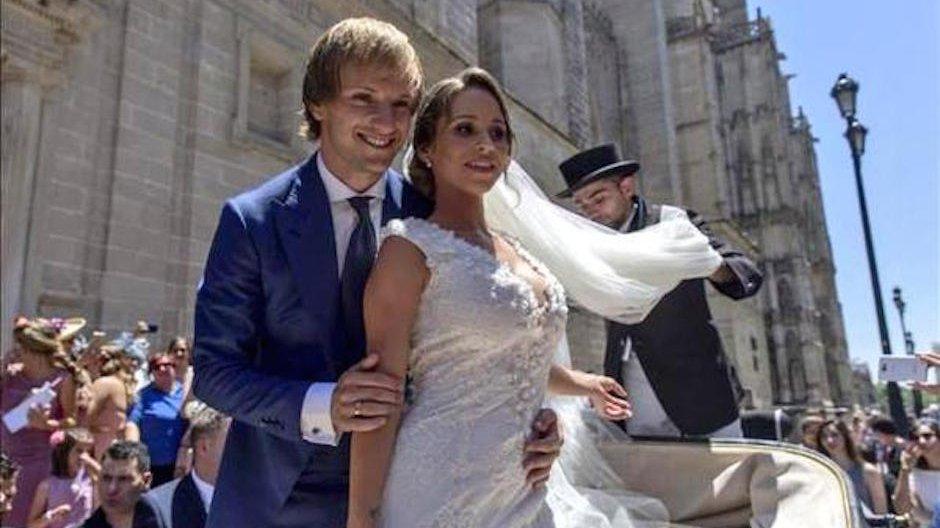 Ivan Rakitic dengan Raquel Mauri